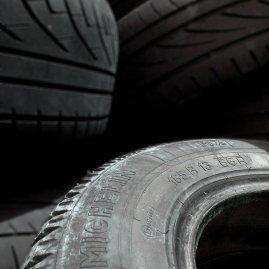 Reifenwechsel und Reifenmontage
