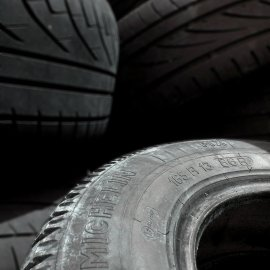 Bei uns können Sie neue Reifen kaufen, auswuchten und montieren!