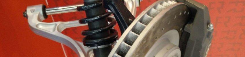 Mitgebrachte Ersatzteile: An der Achsaufhängung wird an der falschen Stelle gespart