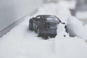 Schneematsch und Salzwasser setzen Ihrem Auto im Winter erheblich zu
