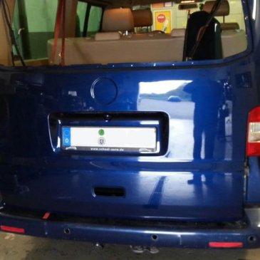 VW T5 Heckschaden Unfallreparatur