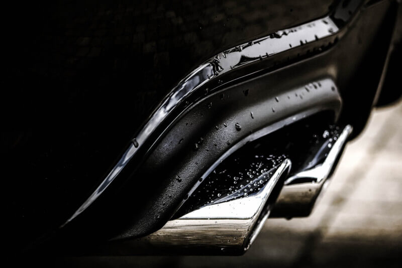 Der Auspuff ist für das geräusch- und schadstoffarme Ableiten der Abgase ins Freie verantwortlich.