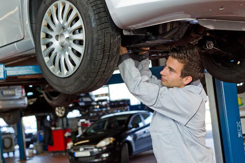 Bei der Inspektion werden wichtige Teile Ihres Fahrzeugs auf Herz und Nieren geprüft.