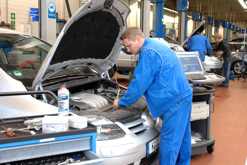 Die Kosten bei der Inspektion können je nach Service-Umfang stark variieren.